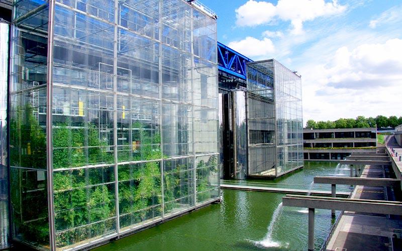 Façades de verre et métal, Cité des Sciences
