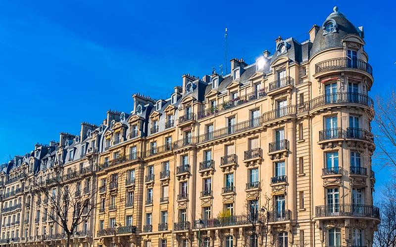 Façade parisienne typique Boulevard Pereire