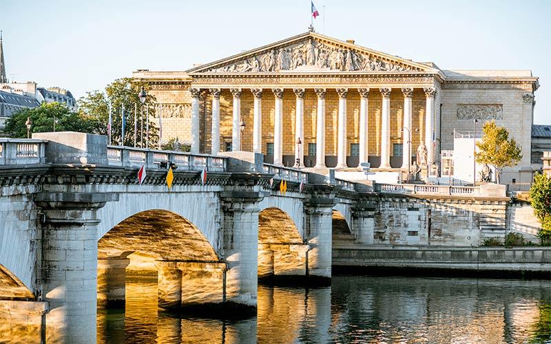 Pont de la Concorde et Assemblée Nationale