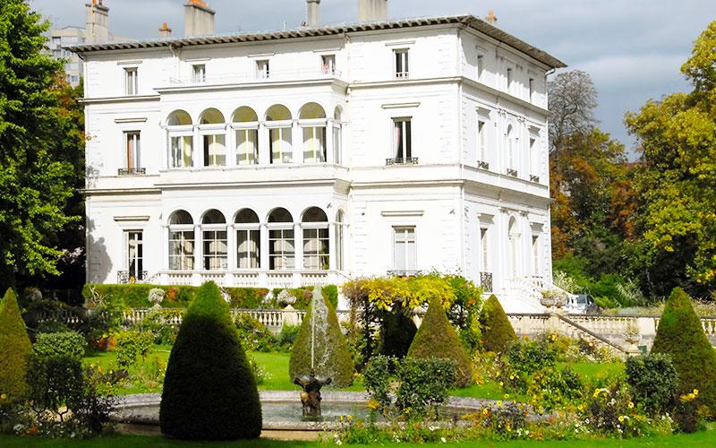 Parc Dupeyroux et la villa à loggias à Créteil