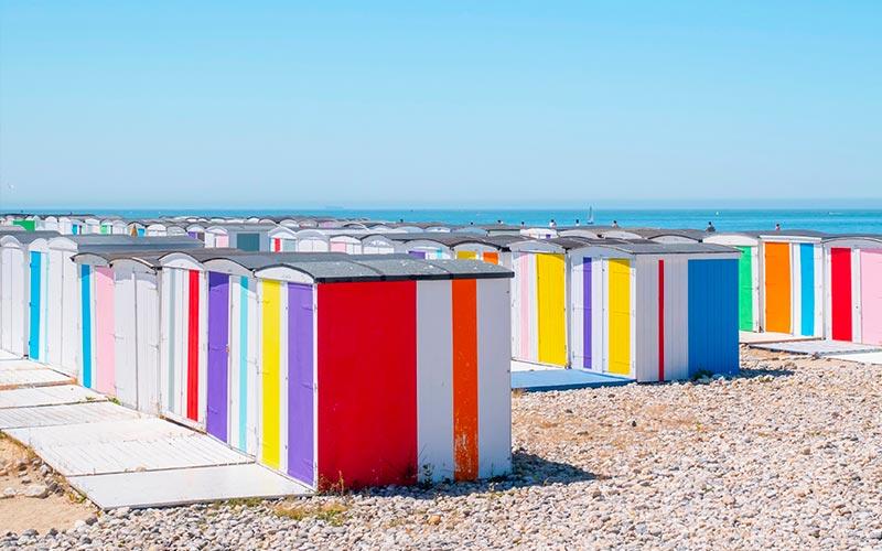 Cabines colorées de la plage au Havre