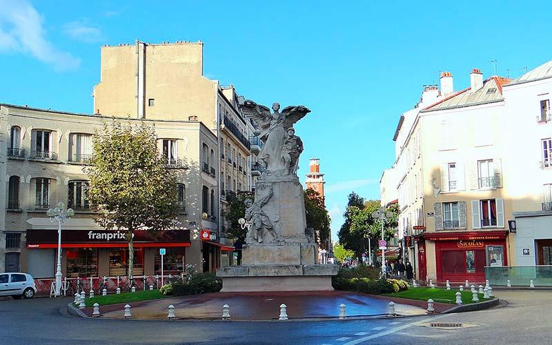 Monument aux morts de Montrouge, place du Maréchal Leclerc