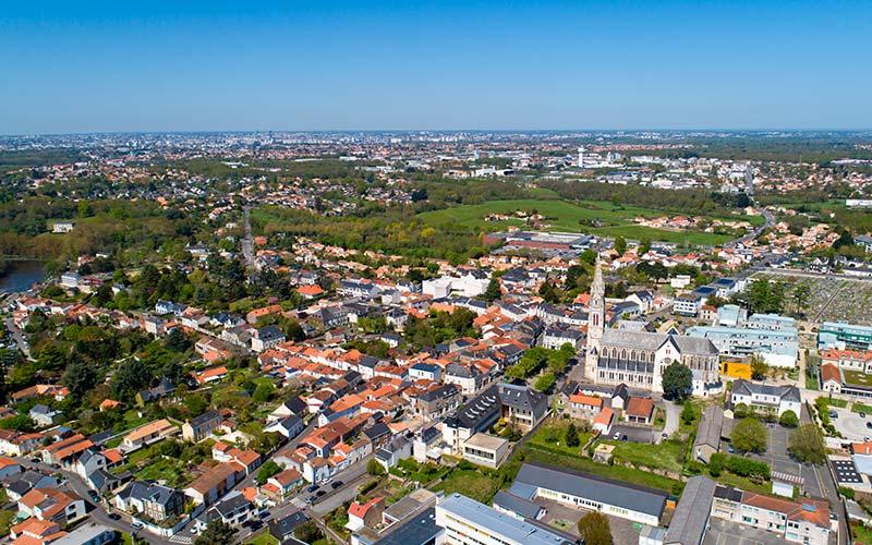 Vue aérienne de la ville de Vertou