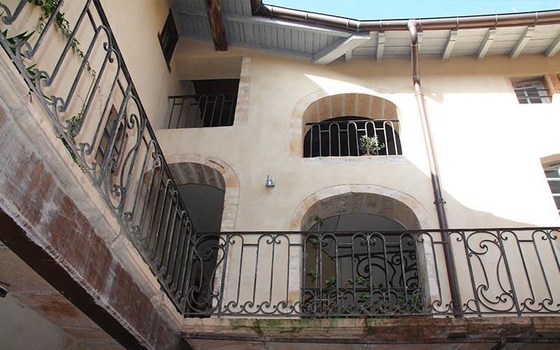 Cour de la Maison Roland Villefranche-sur-Saône